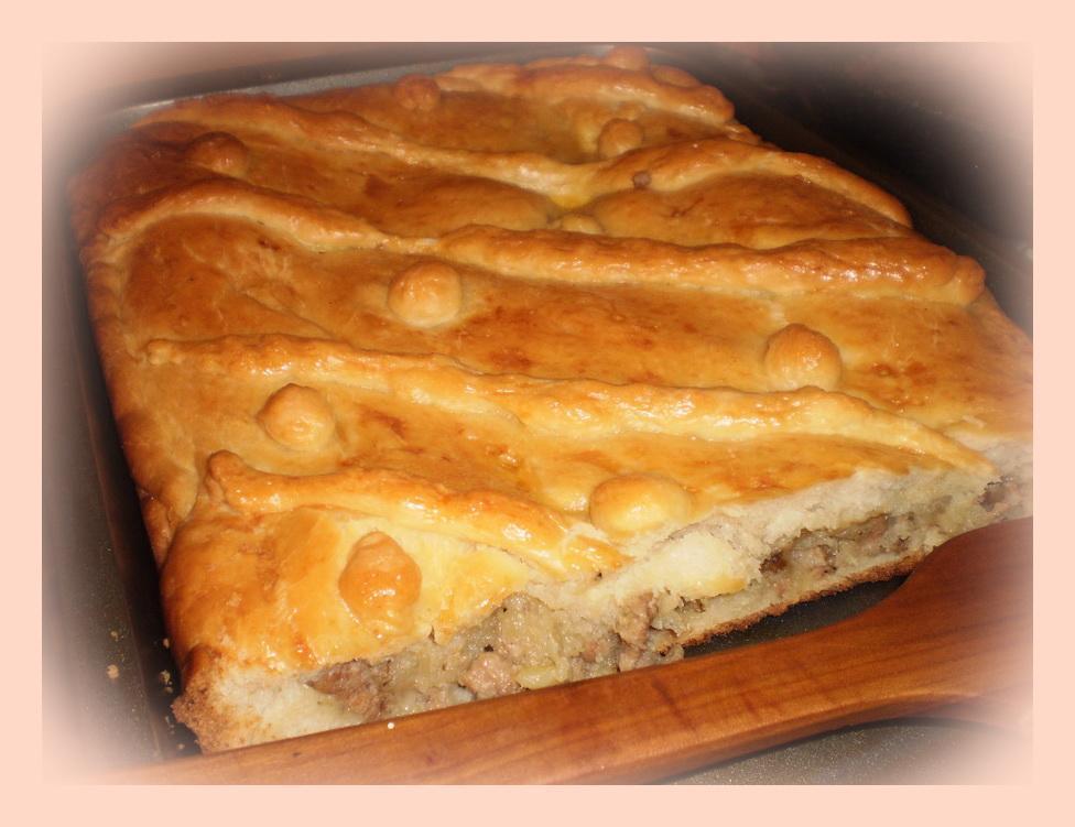 Пирог дрожжевой с мясным фаршем