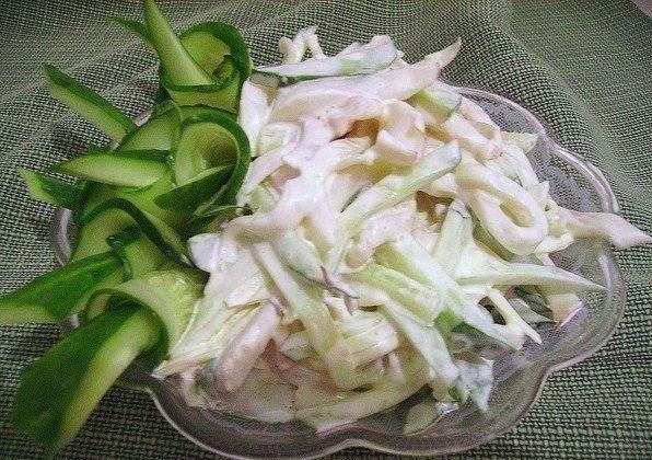 Салат с кальмарами. Рецепт приготовления